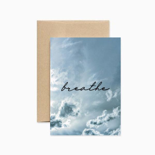 Вдохновляющая открытка Breathe