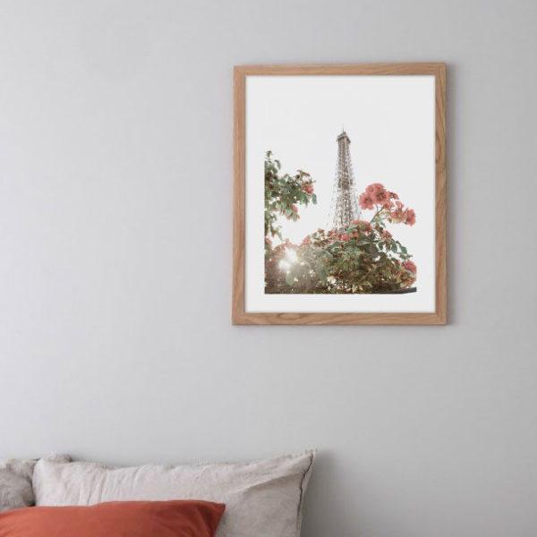 """Постер на стену """"Цветы на фоне башни"""""""
