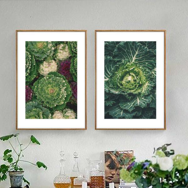 красивая пара зеленых постеров в рамках