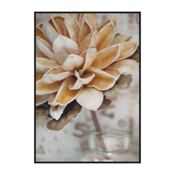 "Постер на стену ""Бежевый цветок"""