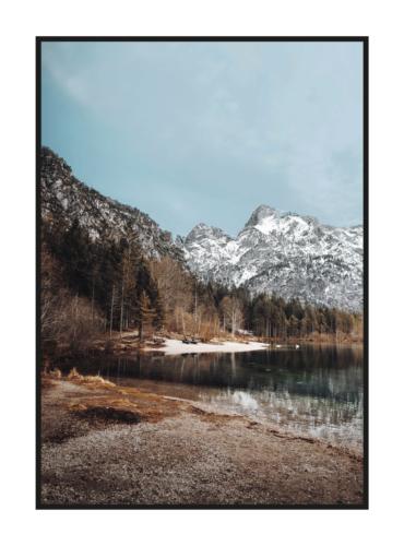 Осеннее горное озеро