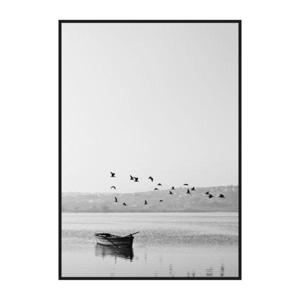 постер на стену одинокая лодка на озере чб