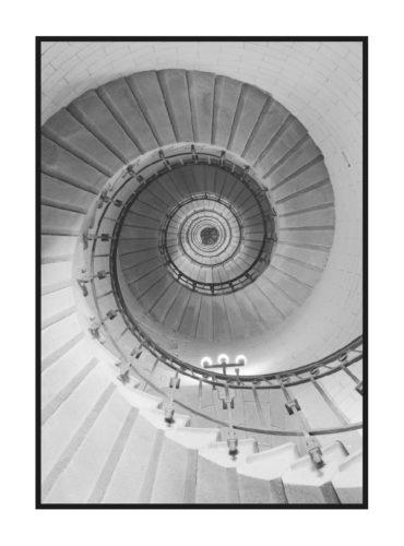 постер в серых тонах с винтовой лестницей