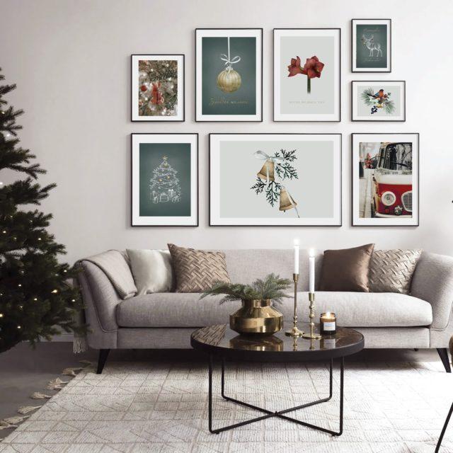 композиция 8 рождественских постеров разного размера