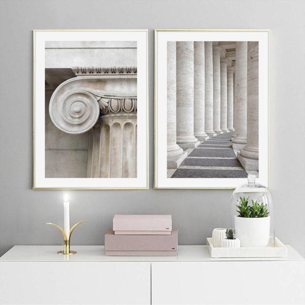 два постера в рамках с колоннами в серых тонах