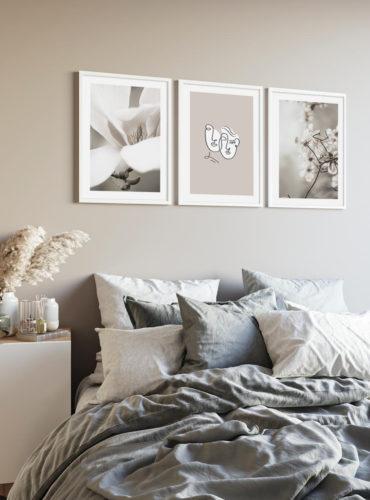 три постера в серых тонах на стену
