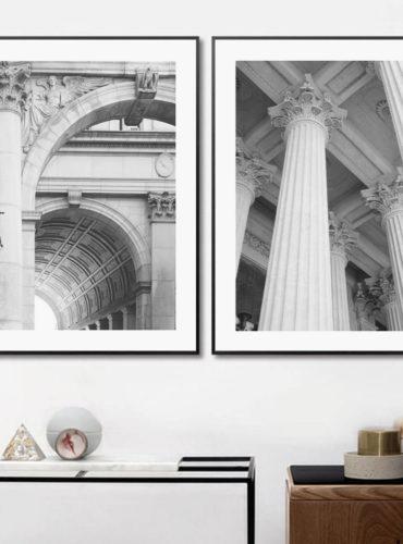 два постера в чб Архитектура в черных рамках с паспарту